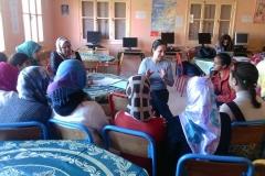 11026632_Le Comité de Soutien à la Scolarisation des Filles rurales a organisé une formation en hygiène et nutrition au profit de 60 bénéficiaires du programme « Une bourse pour réussir » et ce les 28 février et 7 mars 2015 aux foyers d'Oulad Amrane, Oulad Hamdane (province d'El Jedida) et de Kelâat Seraghna. Cette formation avait pour but d'apprendre aux bénéficiaires les bonnes pratiques d'hygiène et de partager avec elles les règles d'une alimentation saine et équilibrée. La formation a été animée par Madame Fatima HABOUL, professeur de nutrition.10204147345664184_235830918_n
